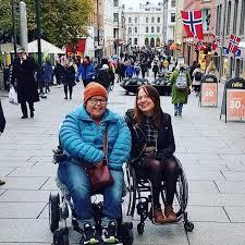 Inget nytt för funkisar. Nora och Hanna från Förbundet Unga Rörelsehindrade